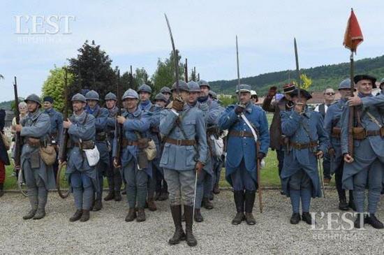 Ceremonies du centenaire ceremonie pour les 7 soldats inconnus 1464440075 copier